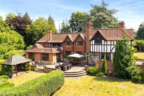 The Downs, Leatherhead, Surrey, KT22. 6 bedroom detached house