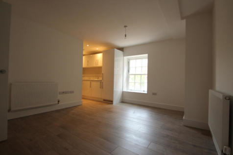 The Old Telephone Exchange, 13 Station Road North, Redhill, Surrey, RH1. 1 bedroom apartment