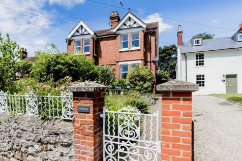 The Green, Bearsted, Maidstone, Kent, ME14. 4 bedroom semi-detached house for sale