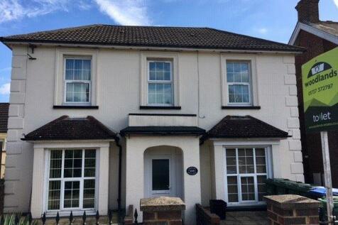 Brighton Road, Redhill. 1 bedroom flat