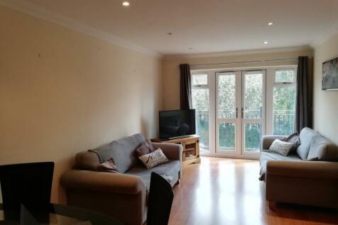 Brook Road, Redhill. 2 bedroom apartment