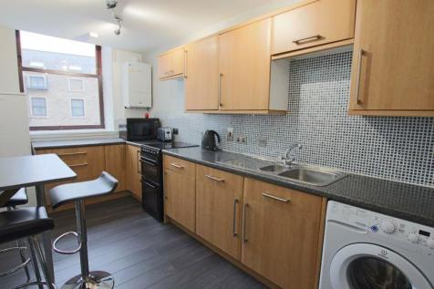 Pleasance Court, Dundee. 4 bedroom flat for sale