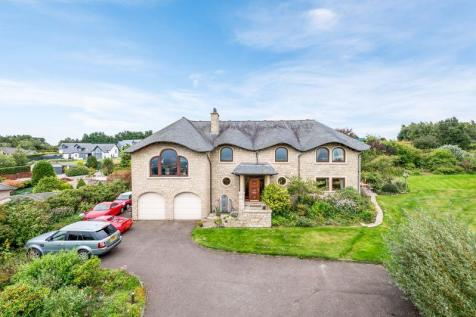 6 Strathview, Dundee Road, Forfar. 5 bedroom detached house for sale
