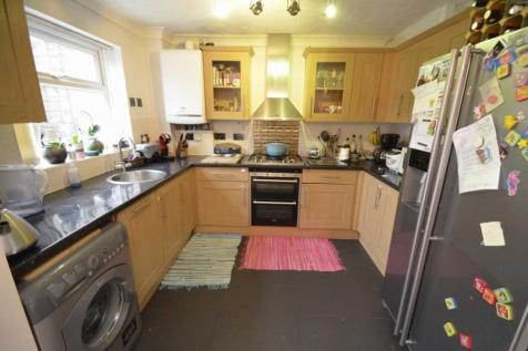 Braithwait Close, Norwich. 3 bedroom link detached house