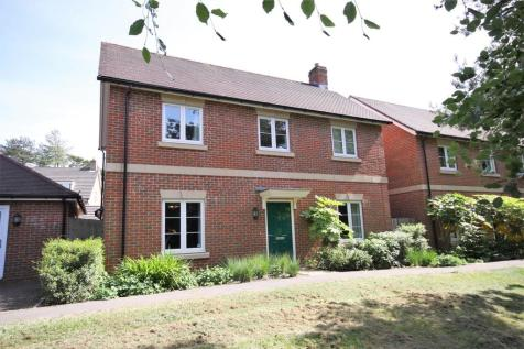 Montefiore Drive, Sarisbury Green. 4 bedroom detached house