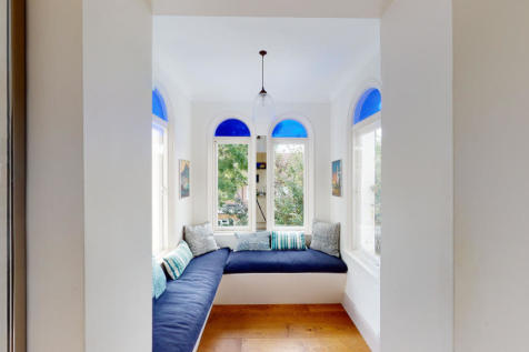 Albion House, London, W6. 2 bedroom apartment