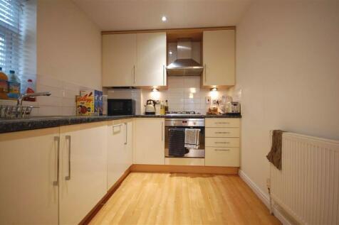 Ickenham. 2 bedroom flat