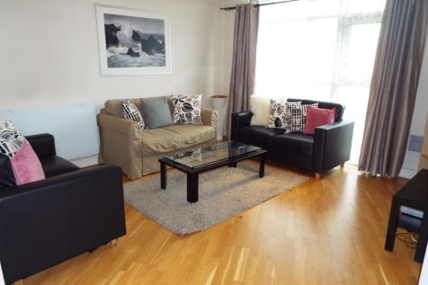 Altolusso, Bute Terrace. 1 bedroom apartment