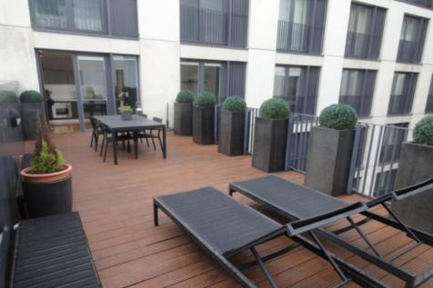 Piccadilly Place, Manchester, M1. 2 bedroom flat