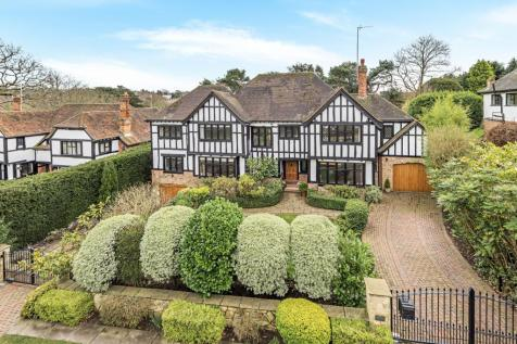 Priory Close Chislehurst BR7. 5 bedroom detached house