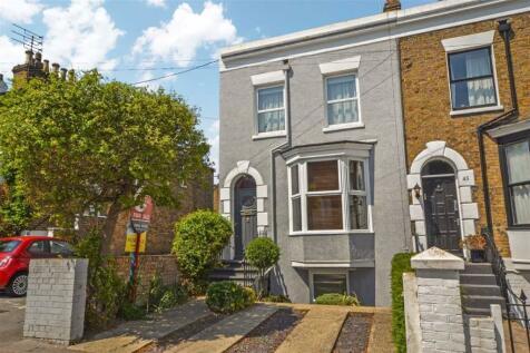 Vale Road, Ramsgate, Kent. 4 bedroom end of terrace house