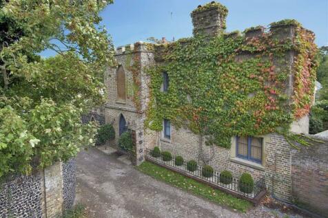 Montefiore Avenue, Ramsgate, Kent. 2 bedroom detached bungalow