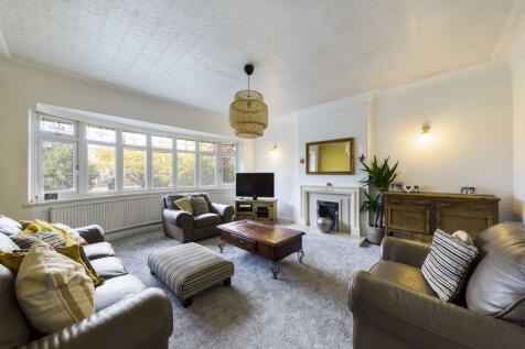 Liverpool Road, Penwortham. 4 bedroom detached house for sale