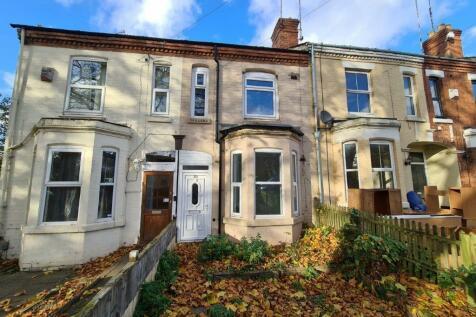 30 Middleborough Road, Coventry, CV1 4DE. 5 bedroom terraced house for sale