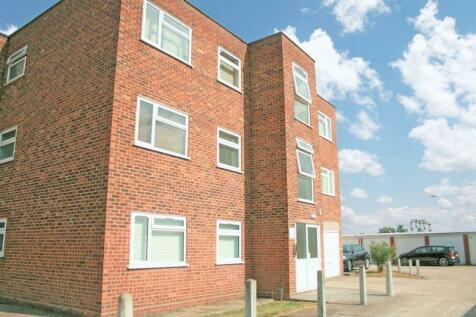 Station Road, West Horndon. 2 bedroom flat