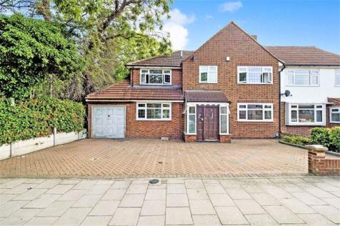 Farnes Drive, Gidea Park, Romford. 4 bedroom semi-detached house for sale