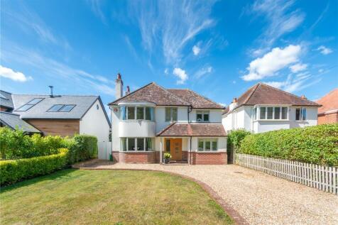 Fox Pond Lane, Lymington, Hampshire, SO41. 4 bedroom detached house