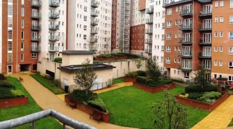 Oceana Boulevard, Gate 10, Southampton, SO14 3JG. 1 bedroom flat