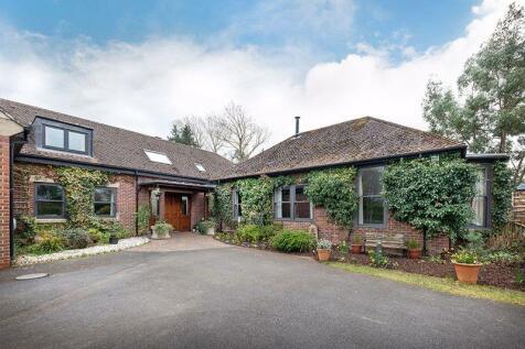 Pine House, Park Drive, Hepscott Park. 5 bedroom detached house for sale