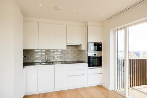 Rathbone East, Canning Town. 2 bedroom flat