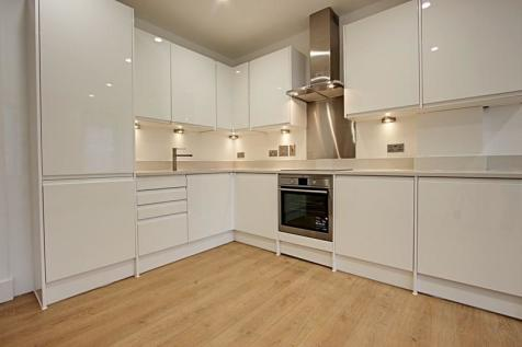 Lawrence House 5-8, River Front, Enfield, Middlesex, EN1. 2 bedroom apartment
