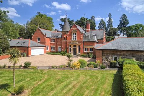 Impney, Droitwich, Worcestershire, WR9. 5 bedroom equestrian facility