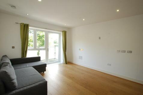 Spitfire House, Raynes Park, London, SW20 0BS. 1 bedroom flat