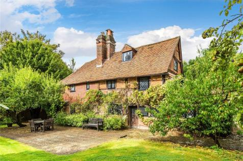 New House Lane, Salfords, Redhill, Surrey, RH1. 5 bedroom detached house