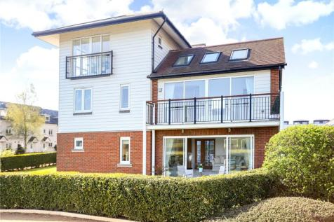 Lilley Mead, Redhill, Surrey, RH1. 4 bedroom detached house