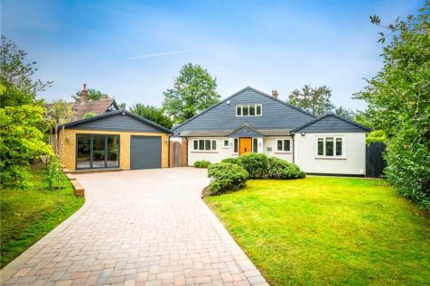Wraylands Drive, Reigate, Surrey, RH2. 4 bedroom detached house for sale