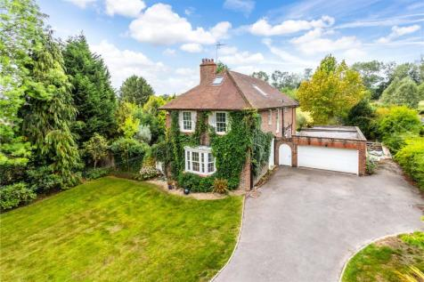 Picketts Lane, Redhill, Surrey, RH1. 6 bedroom detached house