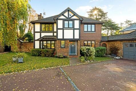 Park Hall Road, Reigate, Surrey, RH2. 4 bedroom detached house for sale