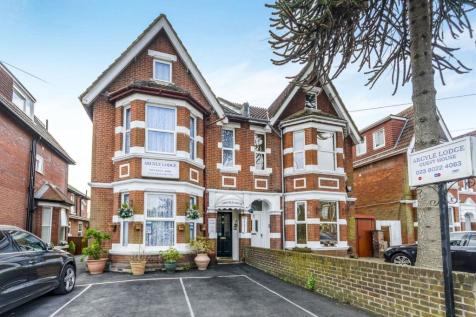 Landguard Road, Southampton, Hampshire, SO15. 12 bedroom semi-detached house