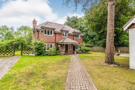 Chilworth Drove, Chilworth, Southampton, Hampshire, SO16. 5 bedroom detached house