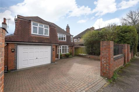 Chiltern Drive, Surbiton, KT5. 5 bedroom detached house