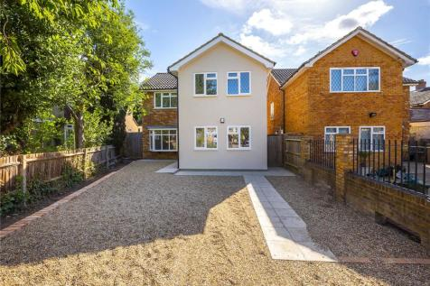Chamberlain Way, Surbiton, KT6. 3 bedroom detached house