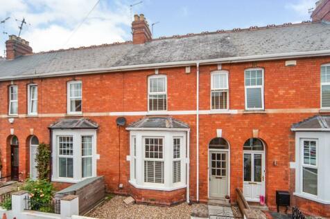Northfield Avenue, Taunton, Somerset, TA1. 3 bedroom terraced house for sale