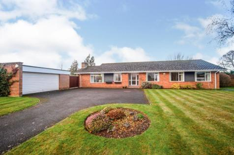 Furlong Green, Trull, Taunton, Somerset, TA3. 4 bedroom bungalow for sale