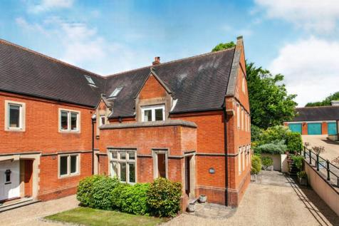 Dene Park, Shipbourne Road, Tonbridge, Kent, TN11. 3 bedroom end of terrace house for sale