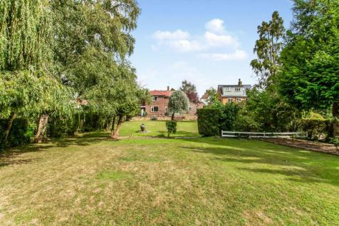 Old Hadlow Road, Tonbridge, Kent, ., TN10. 4 bedroom detached house for sale