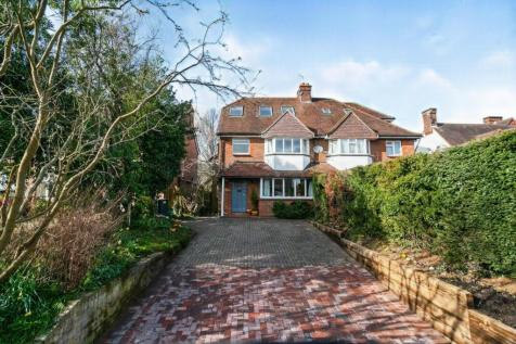 Hadlow Road, Tonbridge, Kent, ., TN9. 4 bedroom semi-detached house for sale