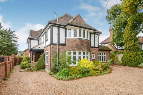 Hempstead Road, Watford, Hertfordshire, ., WD17. 6 bedroom detached house for sale