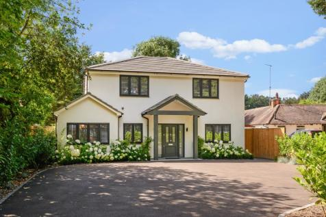 Norfolk Farm Road, Pyrford, Surrey, GU22. 5 bedroom detached house for sale
