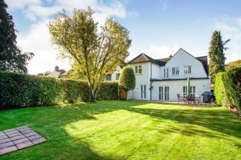 The Riding, Woodham, Surrey, GU21. 5 bedroom detached house for sale