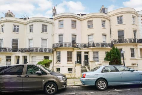 Brunswick Road, Hove, East Sussex, BN3 1DG. 2 bedroom apartment