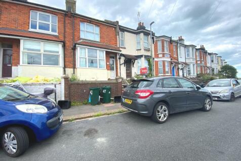 Ewhurst Road, Brighton, BN2 4AL. 4 bedroom house