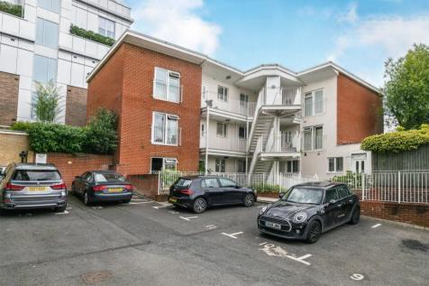 Walnut Tree Close, Guildford. 1 bedroom apartment