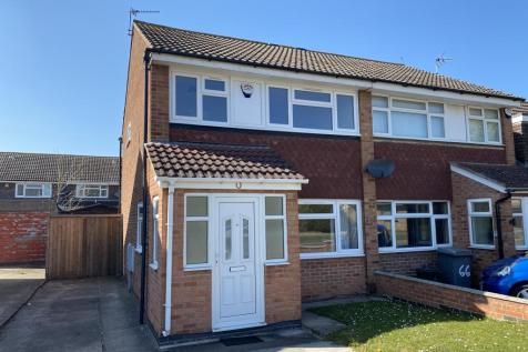 Nicklaus Road, Leicester, LE4 7RT. 3 bedroom semi-detached house