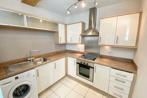 Hooks Close, Anstey, LE7 7DA. 2 bedroom apartment