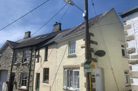 Bodmin. 2 bedroom house